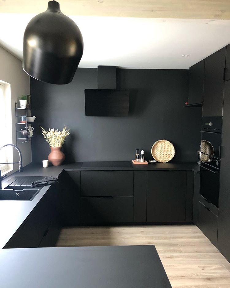 Tendencia: negro en las cocinas