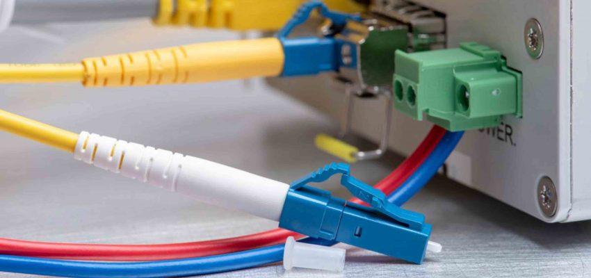 fibra óptica vs cable de red