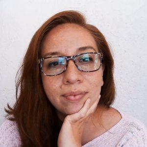 Foto de la psicóloga de BIU, apoya en realizar los Tests Vocacionales que se necesitan para organizar Foro de Especialistas