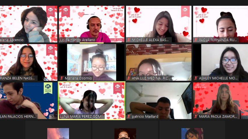 alumnos en clase con backgrounds alusivos al día del amor y la amistad